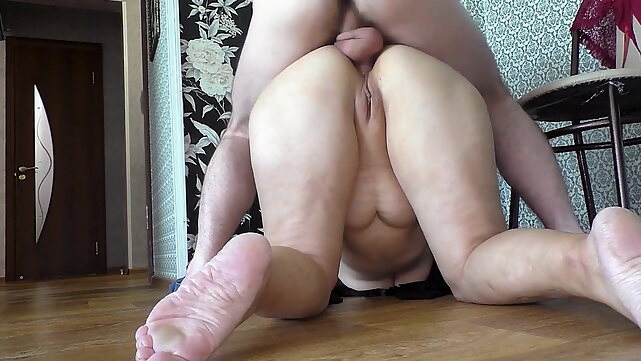 anal Milf gave a blowjob and allowed him to fuck her ass. blowjob