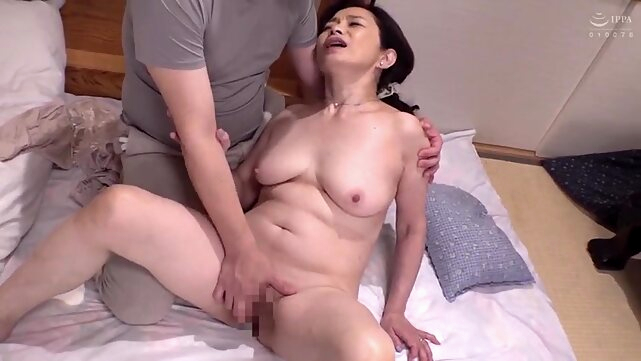 amateur A Affair of a mother in law and a stepson japanese