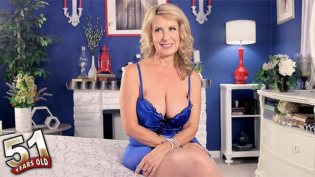 big tits Welcome The New Hot Mama - Laura Layne - 50PlusMILFs blonde