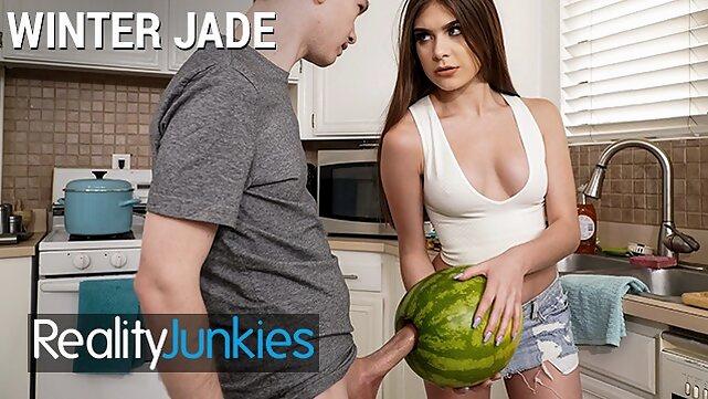 realityjunkies Reality Junkies - Kinky Step sister Winter Jade walks in on Step bro and his Huge Cock porhub